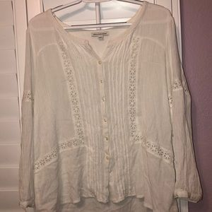 White lacey blouse w/ buttons